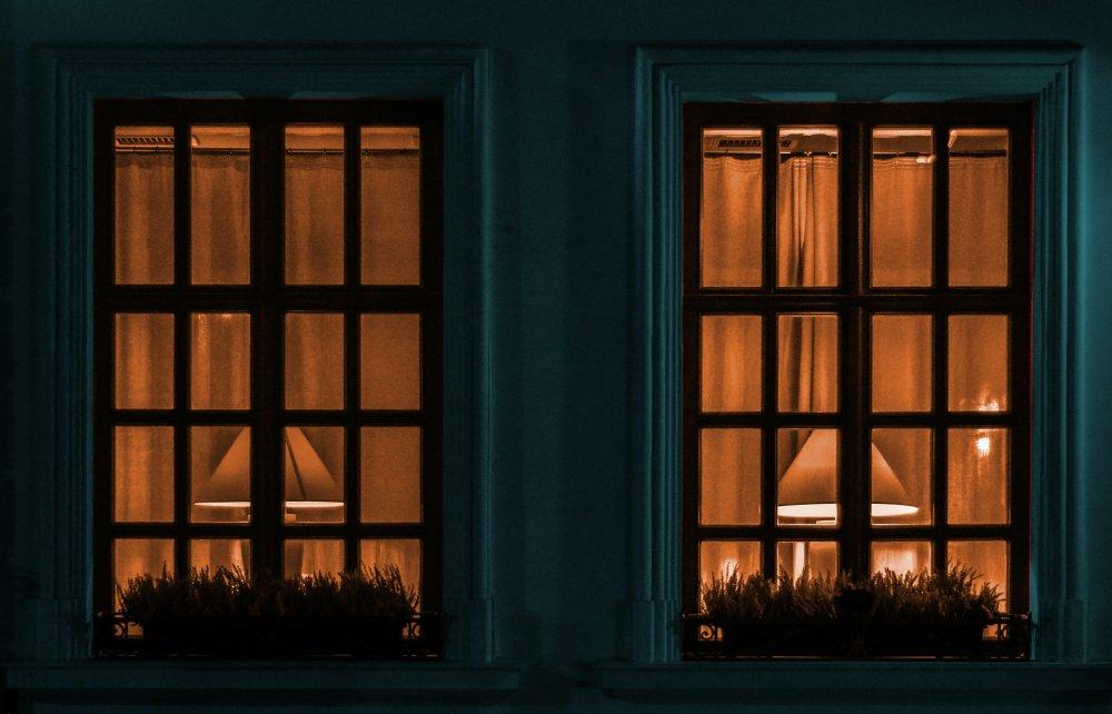 Double-glazed window - Reduce energy costs